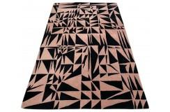 Designerski nowoczesny dywan wełniany Triangles różowy czarny 150x240cm Indie 2cm gruby