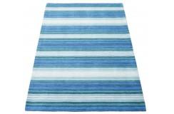Niebieski dywan w pasy do salonu 100% wełniany tafting 160x230cm patchwork