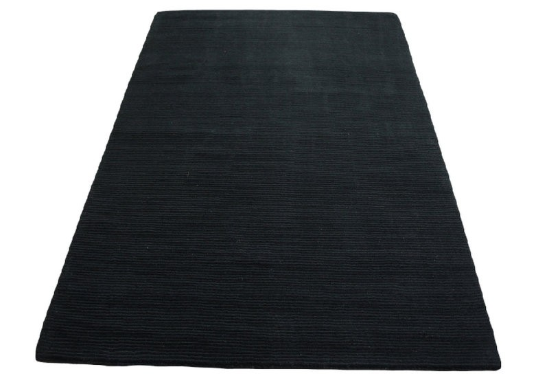 Czarny dywan