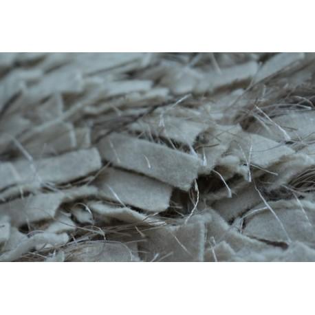 Piękny dywan shaggy z wełny filcowanej i poliesteru 165x235m Indie ręcznie tkany tanio jasny ecru