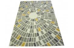Nowoczesny wełniany dywan z Idnii ręcznie tkany 180x270cm piękny wzór beż/szary